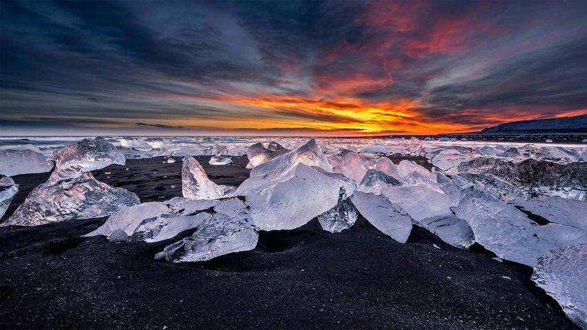 Diamantstrand am Gletschersee Jökulsárlón, Island