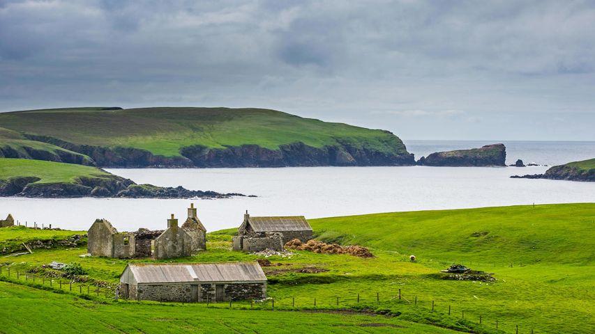 Ein alter Bauernhof auf den Shetlandinseln, Schottland