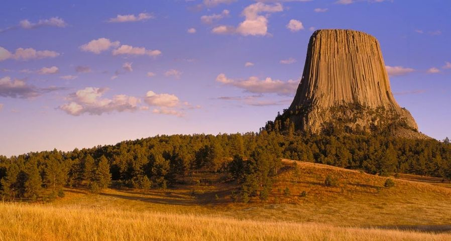 Devils Tower National Monument, Wyoming, USA – Panoramic Images/Getty Images ©