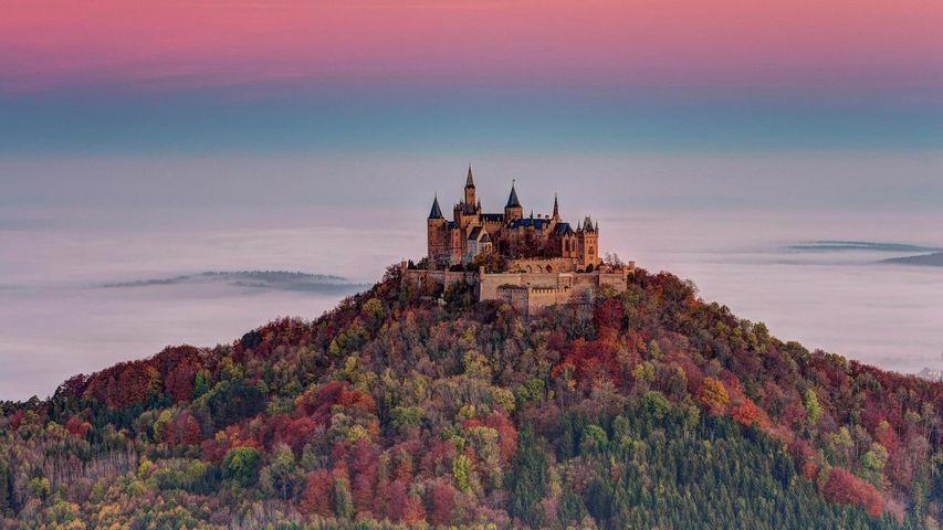 Blick vom Zeller Horn auf die Burg Hohenzollern, Baden-Württemberg