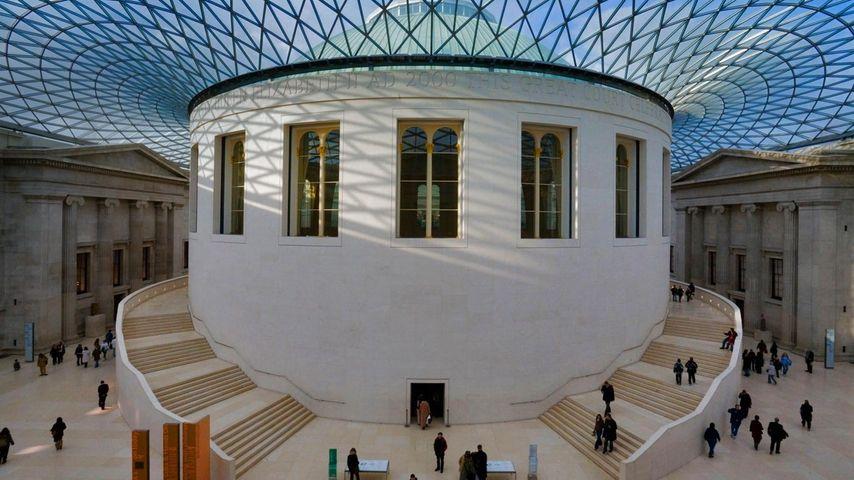 Lesesaal und Innenhof (Great Court) des British Museum in London, Großbritannien