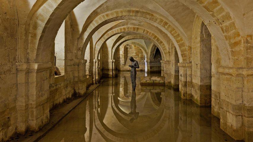 Die überflutete Krypta in der Kathedrale von Winchester, Grafschaft Hampshire, England, Vereinigtes Königreich