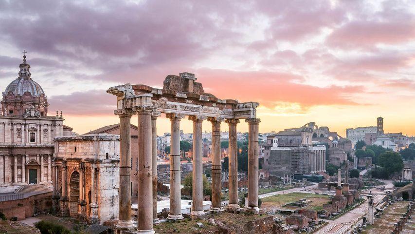 Der Tempel des Saturn im Forum Romanum, Rom, Italien