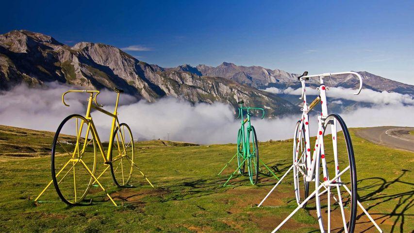 Fahrradskulpturen auf dem Col d'Aubisque, Hautes Pyrénées, Frankreich